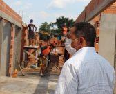 O prefeito Anderson Sousa,  visitou as obra de construção do Shopping Popular