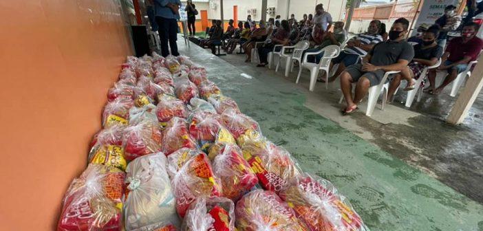 A Prefeitura municipal de Rio Preto da Eva em conjunto com Governo do Estado do Amazonas, distribuíram cestas básicas para cerca de 35 artesãos do município